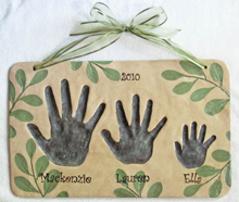 3-hand-leaf-sibling-plaque-2