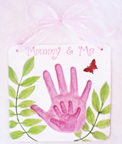 Mommy-and-Me-pink-hands